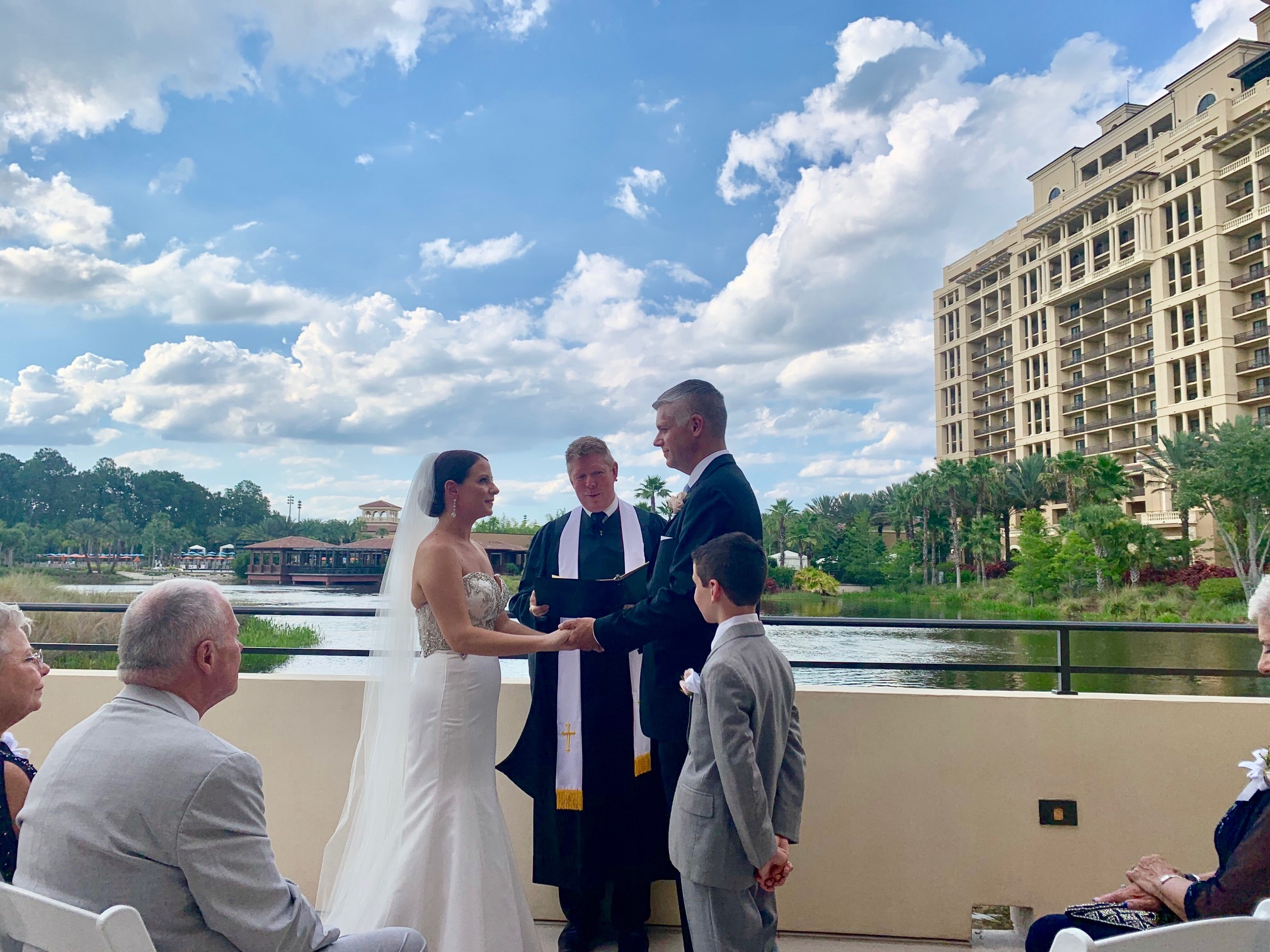SC Officiant Glynn Ferguson at Four Seasons Resort